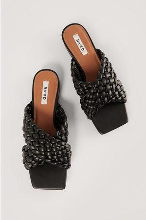 NA-KD Shoes Matalat Kengät Ristikkäisillä Remmeillä - Black