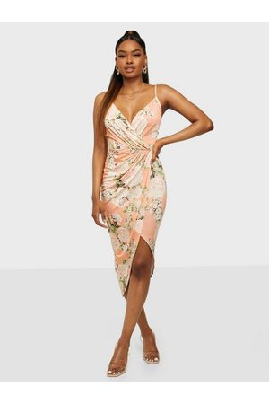 NLY One Wrap Ruched Print Dress Coral