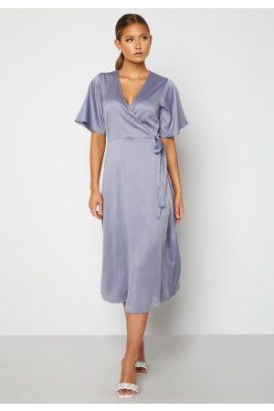 BUBBLEROOM Naiset Midimekot - Scala dress Dusty blue 36