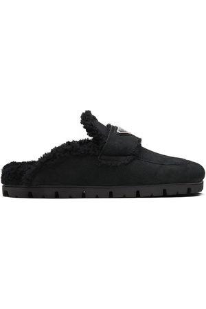 Prada Naiset Tohvelit - Triangle-logo shearling slippers