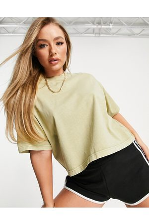 Reebok Natural dye central logo cropped t-shirt in harmony green