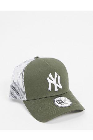 new era 9forty NY Yankees cap trucker in khaki-Green