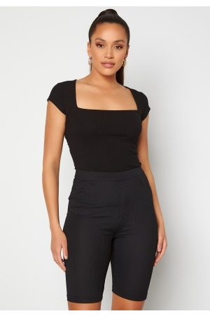 BUBBLEROOM Naiset T-paidat - Squareneck T-shirt Black XS