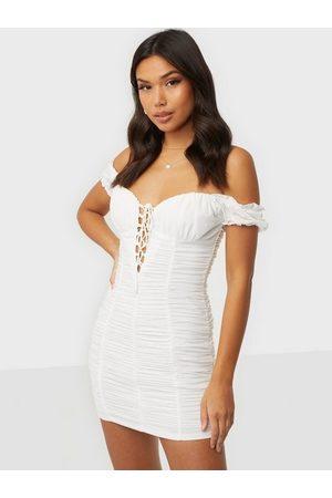 Love Triangle Naiset Juhlamekot - Garden Gate Mesh Mini Dress White