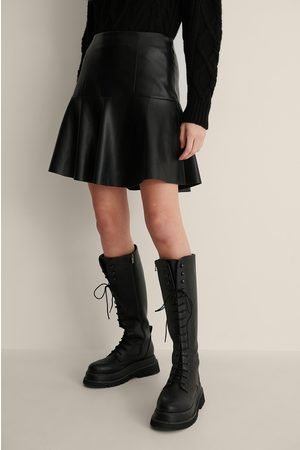NA-KD Half Circle Panel PU Skirt - Black