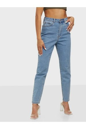 Missguided Naiset Suorat - Highwaisted Stretch Straight Leg Jeans