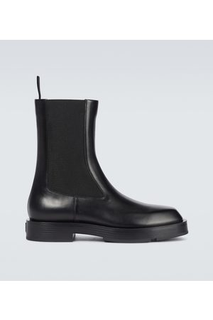 Givenchy Miehet Nilkkurit - Squared box leather Chelsea boots