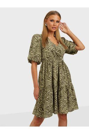 Gestuz Naiset Minimekot - AveryGZ short dress