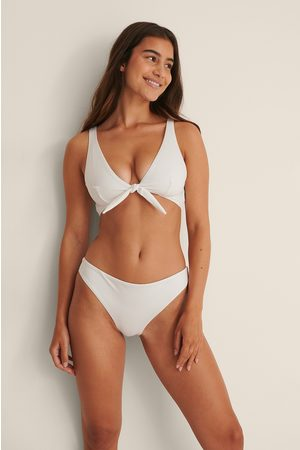 NA-KD Bikinihousut Brazilian-leikkauksella - White