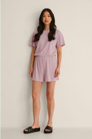 NA-KD Pehmeästi Ribatut Playsuit-Pyjamat, Kierrätettyä Materiaalia - Purple
