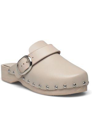 MANGO Menor Sandaletit Pistokkaat