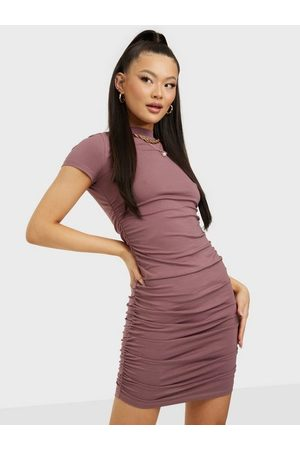 NLY Trend Naiset Juhlamekot - Rouched Side Dress Brown