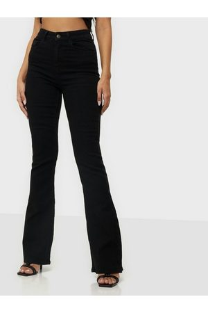 Pieces Naiset Leveälahkeiset - Pcpeggy Flared Hw Jeans Bl-Vi Bc
