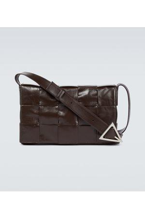 Bottega Veneta Miehet Laukut - Intrecciato Paper Cassette leather bag