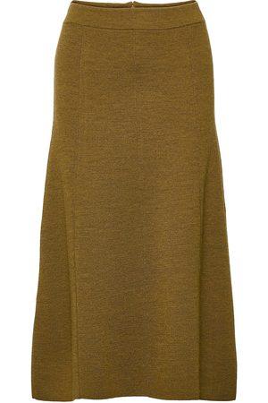 Closed Womens Skirt Polvipituinen Hame