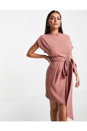 closet london Naiset Juhlamekot - Belted tie waist mini dress in rose pink