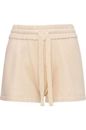 LIVE THE PROCESS Naiset Shortsit - Flutter Shorts