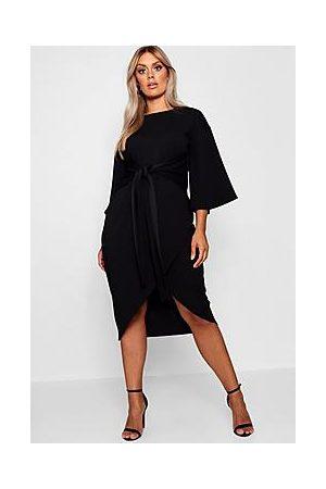 Boohoo Naiset Midimekot - Plus Kimono Sleeve Wrap Over Midi Dress