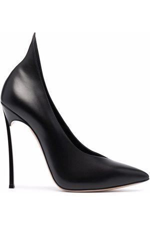 Casadei Naiset Avokkaat - Blade V-shaped leather pumps