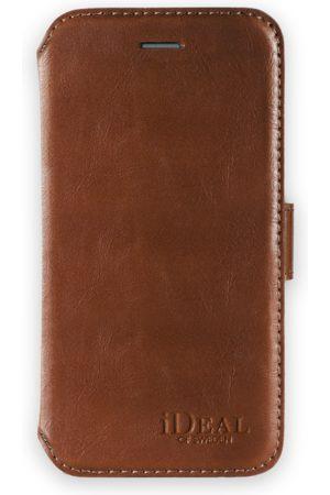 Ideal of sweden Slim Magnet Wallet iPhone 8 Plus Brown