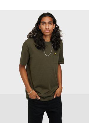 Lyle & Scott Miehet T-paidat - Relaxed Pocket T-Shirt T-paidat ja topit Olive