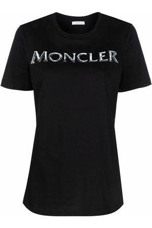 Moncler Naiset T-paidat - Logo-print short-sleeve T-shirt
