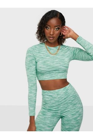 NLY Trend Naiset Crop - Out Of This World Crop Top