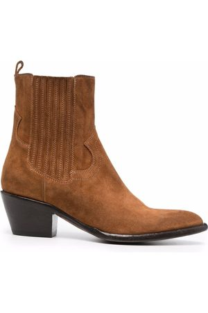 Buttero Pointed toe chelsea boots