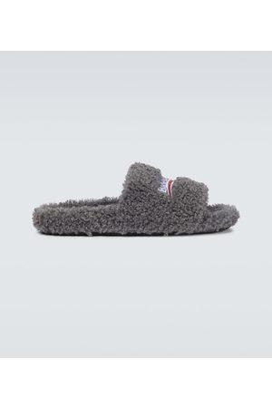 Balenciaga Furry pool slides