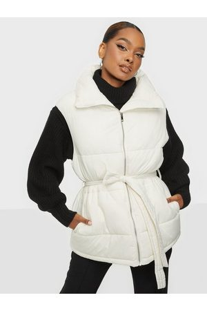 NLY Trend Naiset Liivit - Oversize Puffer Vest Offwhite