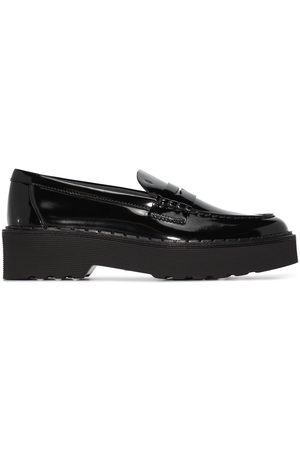 Tod's Naiset Loaferit - Penny-slot patent-leather loafers