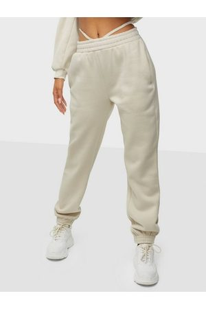NLY Trend Naiset Collegehousut - Strap Waist Joggers