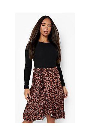 Boohoo Naiset Printtihameet - Leopa Print Wrap Frill Hem Satin Midi Skirt