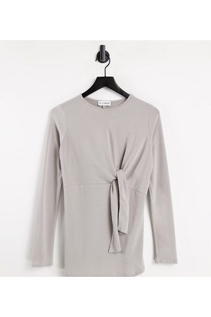 In The Style Maternity Naiset Collegepaidat - In The Style x Dani Dyer Maternity twist front long sleeve top in grey
