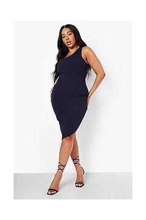 Boohoo Naiset Epäsymmetriset Mekot - Plus One Shoulder Asymmetric Midi Dress