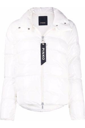 Pinko Naiset Untuvatakit - Padded logo-embossed jacket