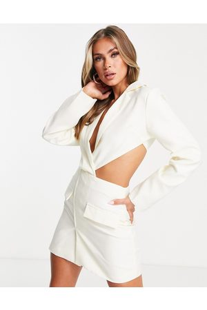 Missyempire Naiset Juhlamekot - Exclusive cutaway front blazer dress in cream-White