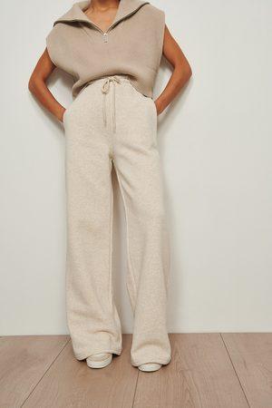 NA-KD Naiset Collegehousut - Organic Brushed Straight Leg Sweatpants