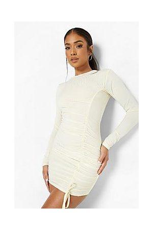 Boohoo Naiset Myötäilevät Mekot - Petite Jumbo Rib Ruched Side Bodycon Dress