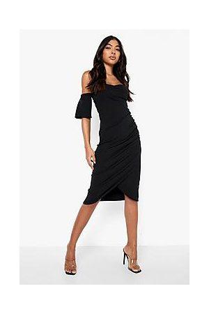 Boohoo Naiset Myötäilevät Mekot - Tall Recycled Off The Shoulder Midi Dress